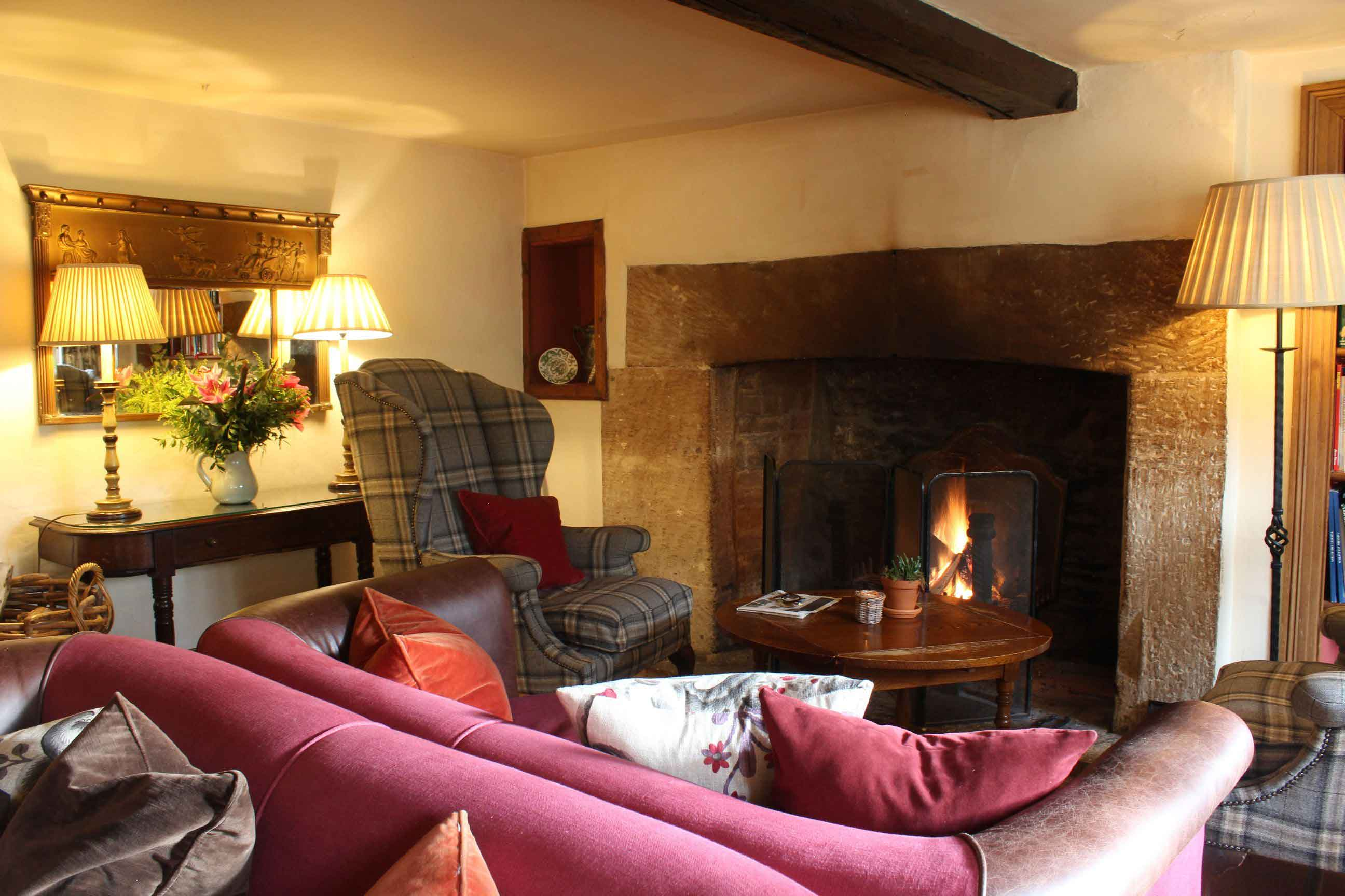 The Lamb Inn Bar And Cotswolds Restaurant