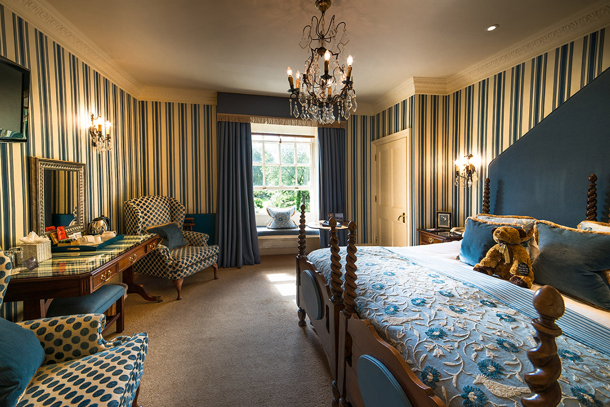 Stay At The Swan Hotel In Gloucestershire